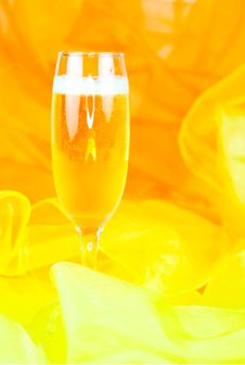 Free Filled Champagne Glass Stock Image - 15498791
