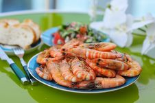 Free A Lot Of Fried Tiger Prawns On A Plate Royalty Free Stock Photo - 15499985