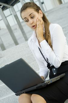 Free Business Woman With Laptop Stock Images - 15501074