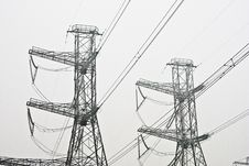 Free Power Line Pylons Royalty Free Stock Photos - 15502768