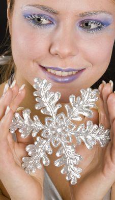 Free Woman With Snowflake Royalty Free Stock Photos - 15506178