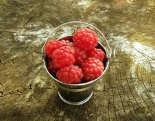 Free Raspberry In A Bucket Stock Images - 15511334