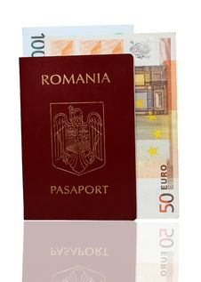 Free Passport And Money Royalty Free Stock Photography - 15513967