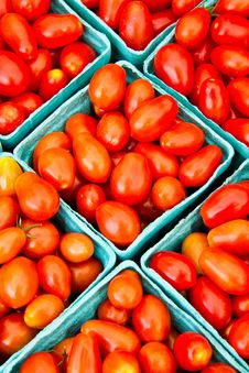 Free Tomatoes For Sale Royalty Free Stock Photography - 15515417