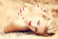 Free Young Beautiful Girl In A Bathing Suit Royalty Free Stock Photography - 15516807