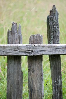 Free Old Wooden Barrier Stock Photography - 15517242