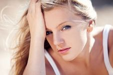 Free Young Beautiful Blonde Royalty Free Stock Image - 15517336