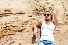 Free Young Girl The Blonde In Jeans Stock Photography - 15517432