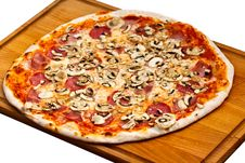 Free Big Party Pizza Salami,mushrooms And Vegetable-iso Royalty Free Stock Photos - 15526838