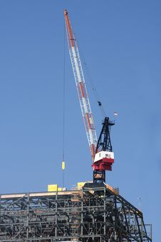 Free Large Crane At Worksite Royalty Free Stock Photography - 15528997