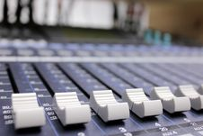 Free Audio Mixing Royalty Free Stock Photos - 15532698