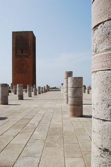 Free Columns At Ruined Mosque Royalty Free Stock Images - 15535249