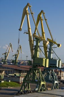 Free Port Cranes Stock Photography - 15536832