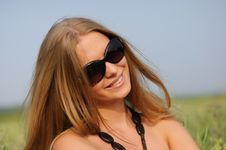 Free Woman With Glasses In The Field Royalty Free Stock Photography - 15537277