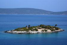 Free Beautiful Sea View: Island On Blue Ocean Royalty Free Stock Photos - 15538368