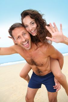 Free Happy Couple In Holidays Stock Images - 15541254
