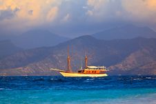 Free Vintage Frigate Sailing Royalty Free Stock Image - 15544226