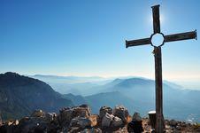 Free Mountains Top Royalty Free Stock Photos - 15548238