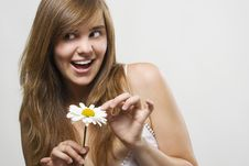 Free Woman With Camomile Stock Photography - 15550572