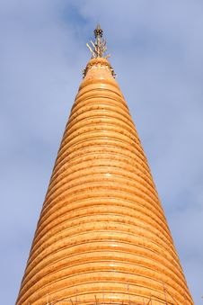 Free Big Golden Pagoda. Stock Image - 15554421