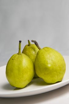 Free Green Pear Royalty Free Stock Photography - 15554507