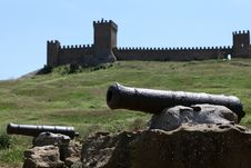 Free Ruins Of The Genoa Fortress Royalty Free Stock Image - 15559276