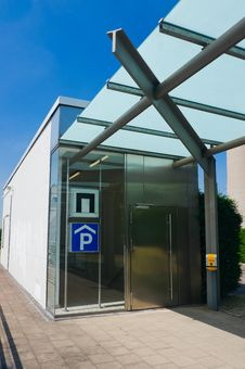 Free Parking Elevator Stock Photo - 15562200