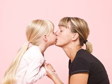 Free Mother And Daughter Royalty Free Stock Images - 15562539