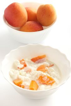 Free Cottage Cheese With Apricot Royalty Free Stock Photography - 15567187