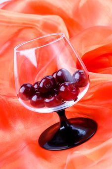 Free Cherries In The Footed Glass Stock Photography - 15569552