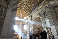 Free St. Peter S Basilica Royalty Free Stock Photo - 15570075