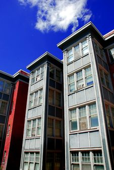 Free Apartment Building Royalty Free Stock Photography - 15572147