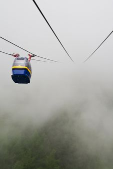 Free Cableway In Fog Royalty Free Stock Photo - 15578685