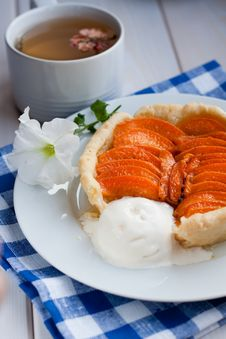 Free Apricot Tart Stock Photography - 15578892