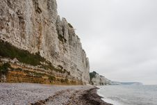 Free Cliffs On The Coast. Mist Royalty Free Stock Photo - 15583325