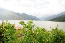 Free Urumqi Mountain Lake Royalty Free Stock Images - 15584979