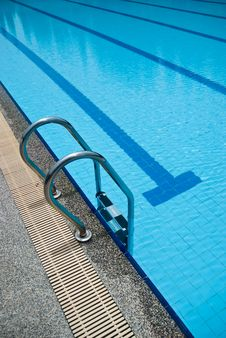 Free Stairs Of A Swimming Pool Royalty Free Stock Photos - 15586018