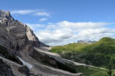 Free Landscape Of Dolomiti Royalty Free Stock Image - 15590746
