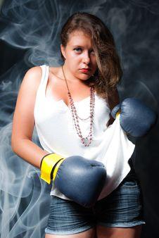 Free Boxing Woman Royalty Free Stock Photos - 15591988