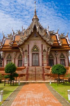 Free Buddhist Temple In  Thailand. Royalty Free Stock Photo - 15598075