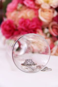 Free Wedding Rings Inside Glass Royalty Free Stock Image - 15599216
