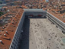 Free An Aerial View Of San Marcus Square In Venice Royalty Free Stock Image - 1562696