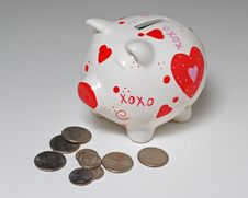 Free Piggy Bank And Coins Royalty Free Stock Image - 1562846