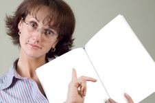 Free Young Woman And Notebook Stock Photography - 1563922