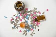Free Bottles And Jars Of Medicine Royalty Free Stock Image - 1566546
