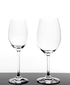 Free Two Wine Glasses Royalty Free Stock Photos - 15600998