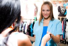 Free Girl With Smile Is Shopping Royalty Free Stock Photo - 15601785