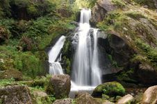 Free Small Waterfalls Stock Image - 15605571