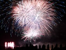 Free Summer Fireworks Royalty Free Stock Photo - 15606955
