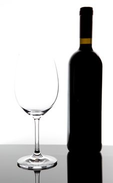 Free Red Wine Glass And Bottle Royalty Free Stock Images - 15610409